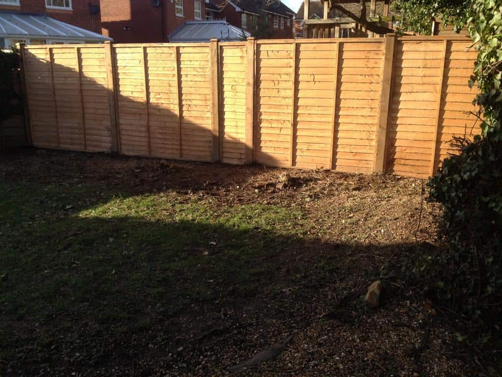 New Wooden Fence Installed By Tidy Gardens Fencing In