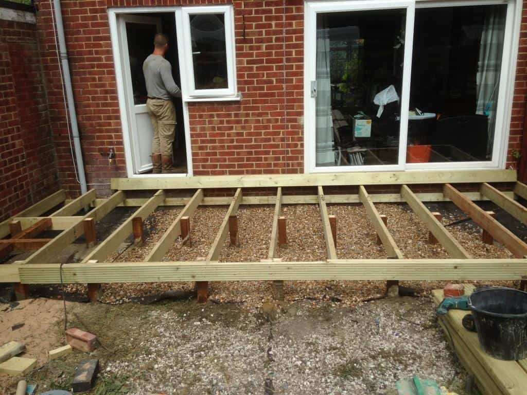 Woodley landscaping project tidy gardens for Garden decking projects